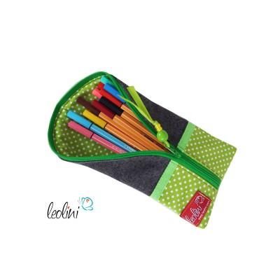 Stiftetasche liegend grüne Punkte