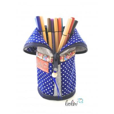 Stehende Stiftetasche, Federmäppchen, Stiftebox mit blauen Punkten