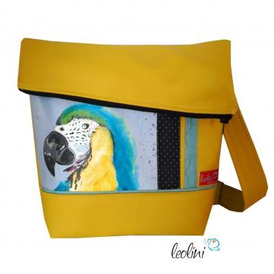 Foldover Tasche mit echter Malerei Papagei - ein Einzelstück