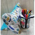 Stehende Stiftetasche, Federmäppchen, Stehpenal mit Federn blau